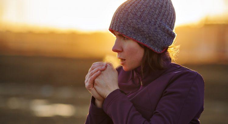 Temperaturas frias causam ressecamento e vermelhidão no rosto, veja como tratar